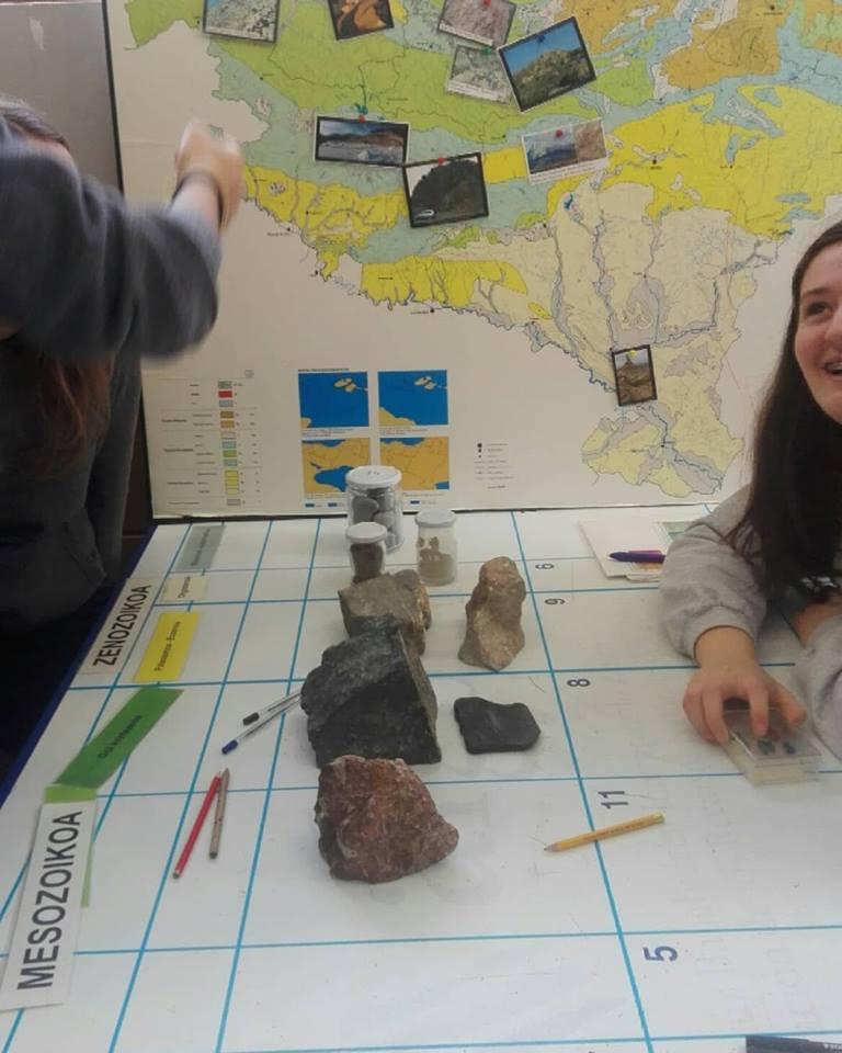Oñatiko ikasleekin historia geologikoa aztertzen
