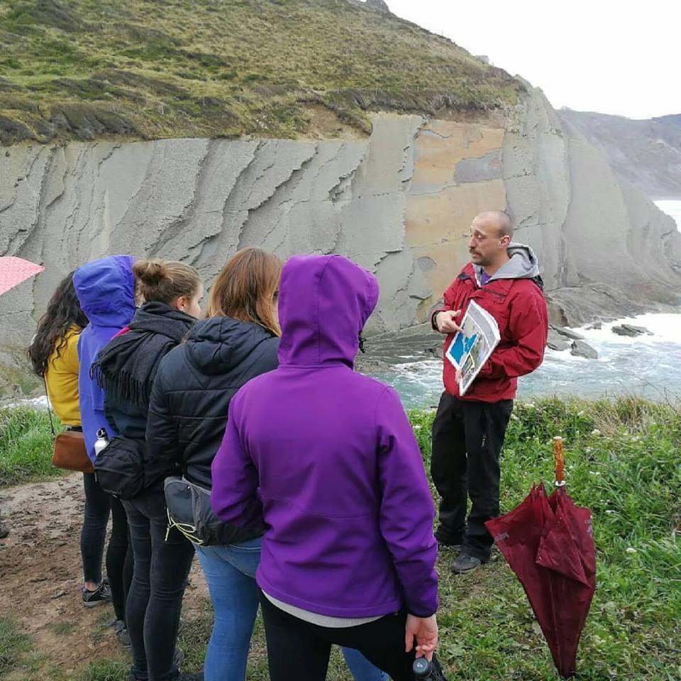 Euskal Herriko historia geologikoa landu dugu Laudioko batxilergo mailako ikasleekin.